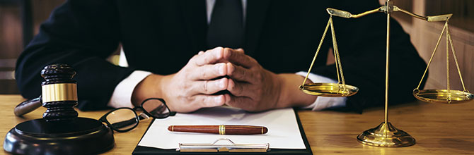 「中卒から弁護士になるには?2つの方法を徹底解説!」サムネイル画像